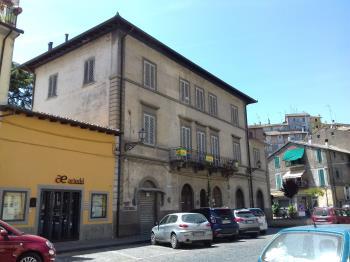 appartamento centrale con balcone