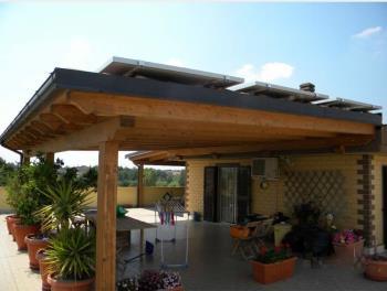 Veranda in legno lamellare