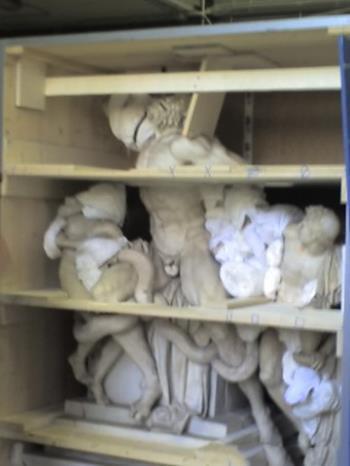 Sollevamento scultura Di Gennaro Nicola Roma