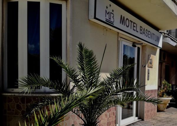 Entrata Motel Basentum a Salandra Matera