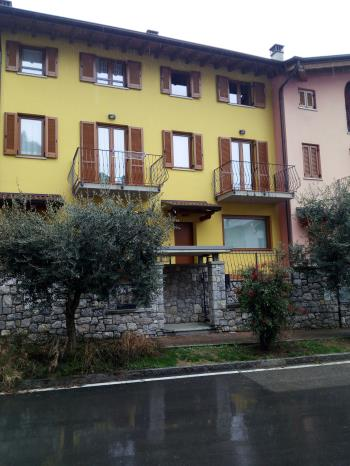 Villetta a schiera a Cogno