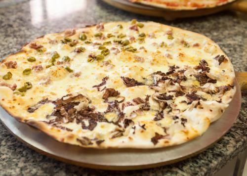 Pizza Con Olive e Funghi a Lucca