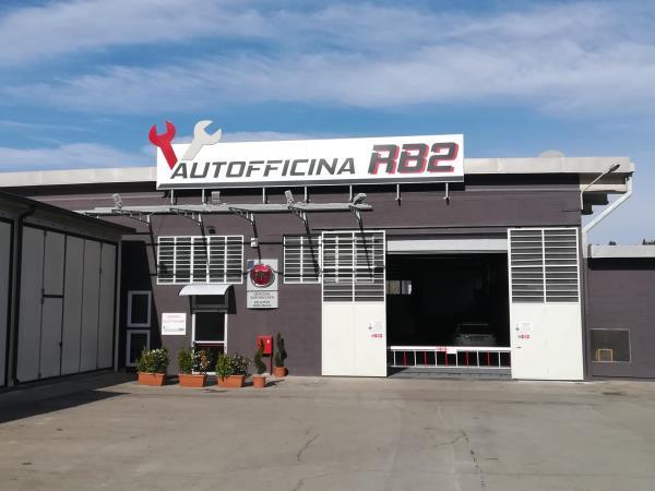 Entrata Autofficina RB2 a Poggibonsi Siena