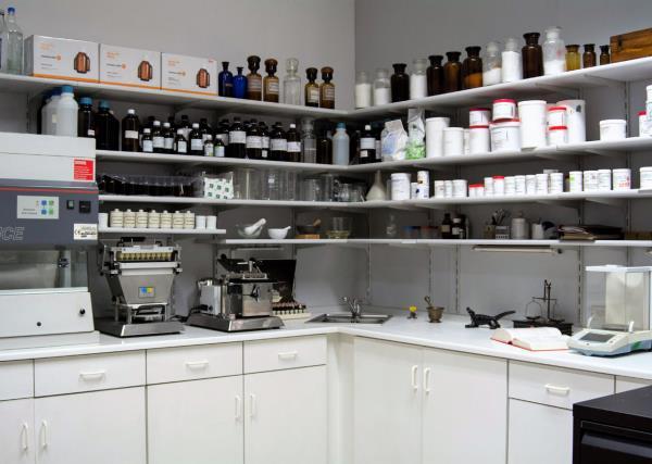 Laboratorio Farmacia Ambrogi a  Piacenza