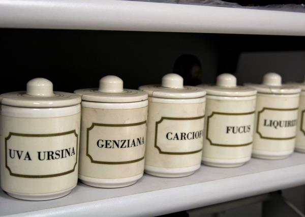 Piante Medicinali Farmacia Ambrogi a Piacenza