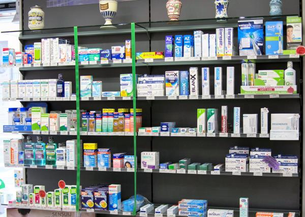Pulizia dei Denti Farmacia Ambrogi a Piacenza