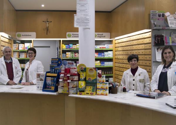 Staff Qualificato Farmacia Ambrogi a Piacenza