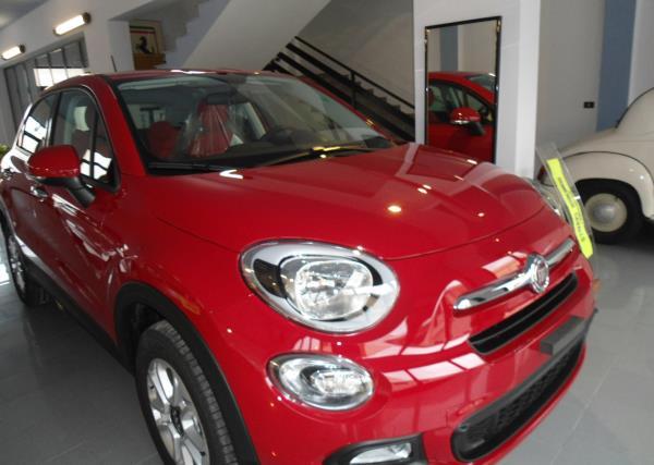 Auto Fiat Rossa Automobili Domenico Cavallo a Lizzano Taranto