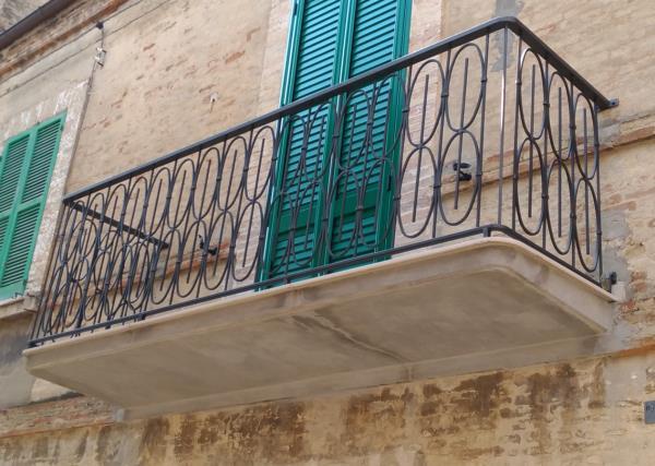 Balcone Ferro Arte Ferro a Monteodorisio Chieti