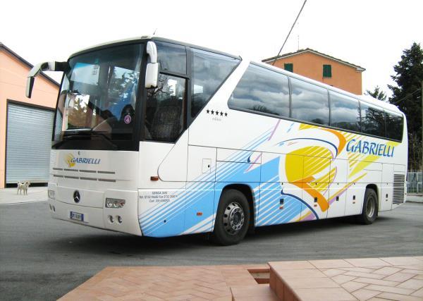Bus Mercedes HD 350 Gabrielli Autonoleggio a Genga Ancona