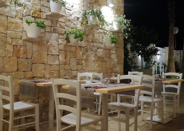 Tavolo Rosso di Sera a Taranto