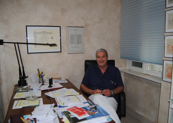 Dott. Pierluigi Lorenzetti  Studio Dentistico Lorenzetti a Livorno