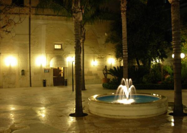 Giardino del Locale Villa Giovanni Camillo Della Monica a Lecce