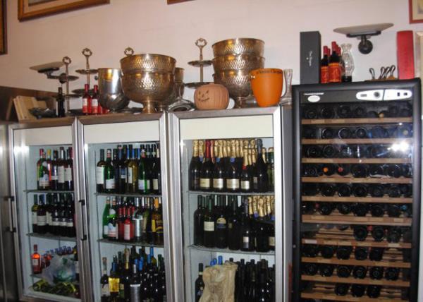 Vini e Liquori Villa Giovanni Camillo Della Monica a Lecce