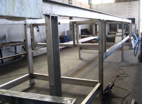 Struttura intelaiata in acciaio inox per sostegno nastro trasportatore