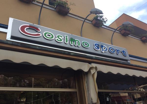 Insegna Cosimo Sport a Osimo Ancona