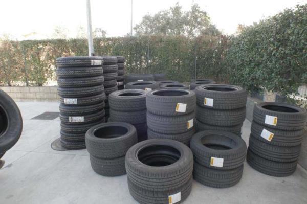 Rivenditore di pneumatici