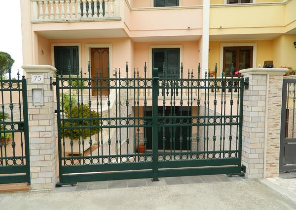 Produzione Serramenti AL. FER. INOX a Carmiano Lecce