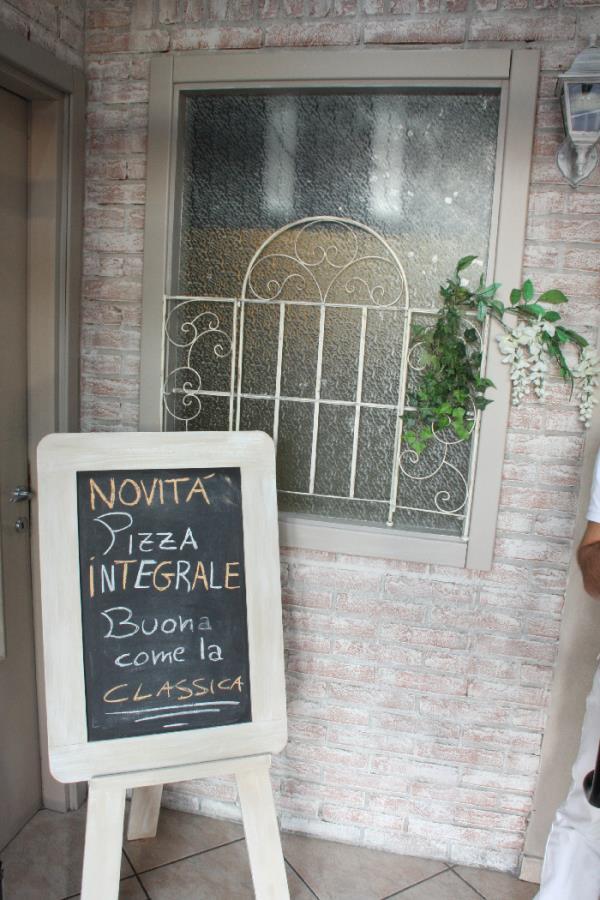 pizzeria con impasto integrale