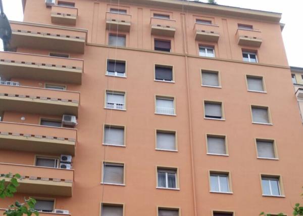 Pitturazione sulle Facciate dei Condomini  - Doppo -  LG Restauri a Roma