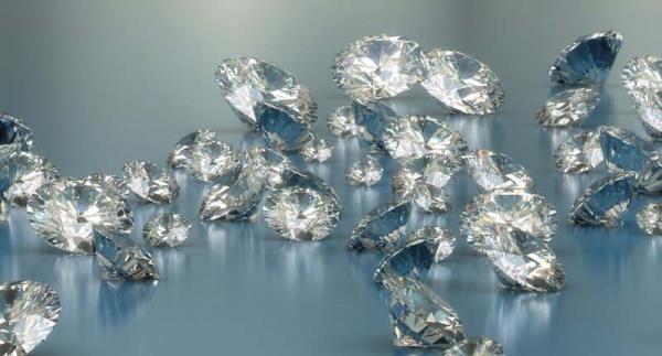Valutazione acquisto gioielli con diamanti