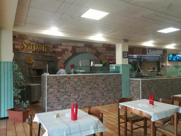 Ambiente Pizzeria Ristorante Pizzeria Napoli