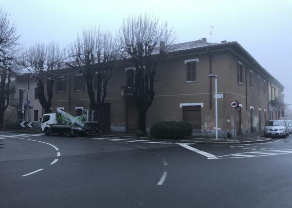 Palazzo da Demolire Coetra a Carbonate Como