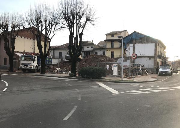 Palazzo Demolito Coetra a Carbonate Como