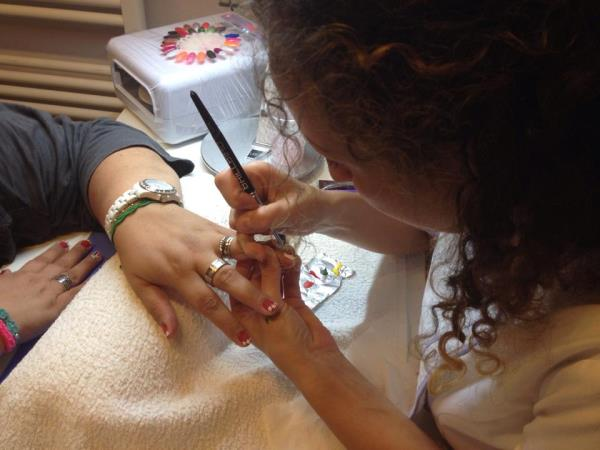 Ricostruzione in Gel Centro Estetico Nails&Beauty a Portomaggiore Ferrara