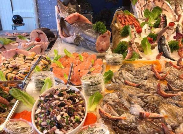 Salmone, pesce spada e molto altro ancora... Pescheria Pisano Palermo
