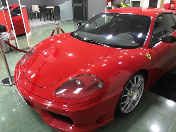 Ferrari Luxury Cars and Coffee a Salerno