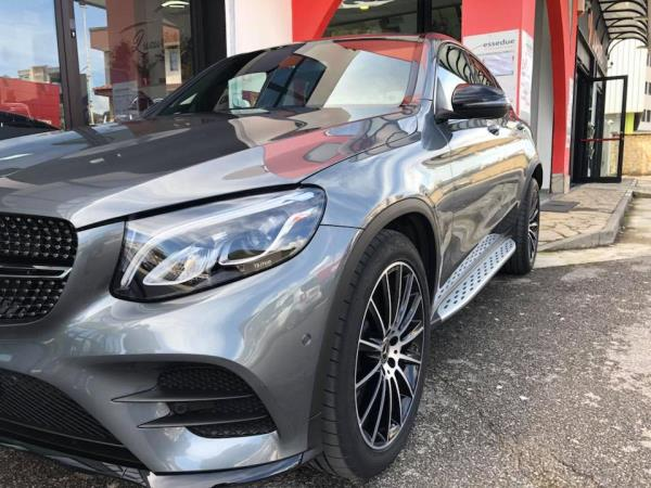 Mercedes Luxury Cars and Coffee a Salerno