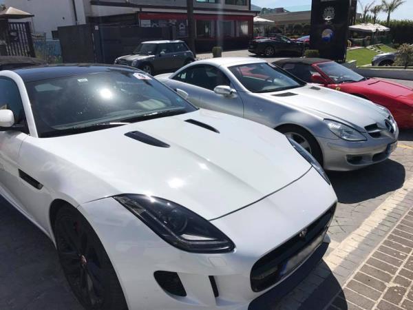 Vendita Auto Luxury Cars and Coffee a Salerno