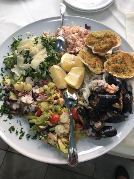 Piatti misti con specialità di mare