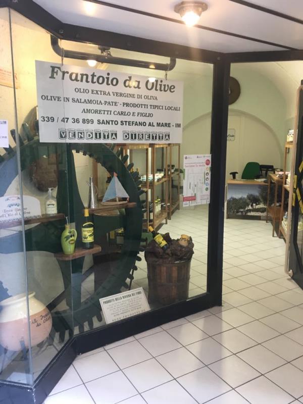 Frantoio Amoretti Carlo produzione e vendita Olio extravergine di Oliva San Lorenzo al Mare Santo Stefano al Mare Imperia