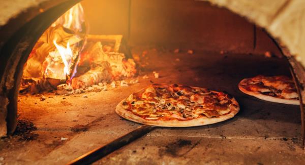 Pizze cotte a legna