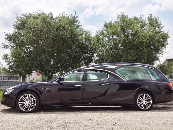 Auto funerale