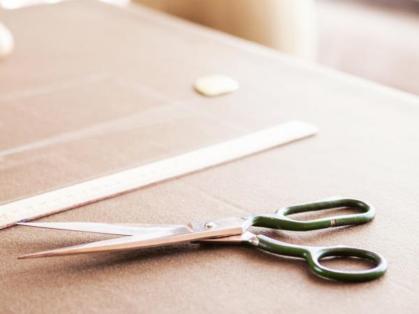 Ricambi e accessori per tagliare e cucire