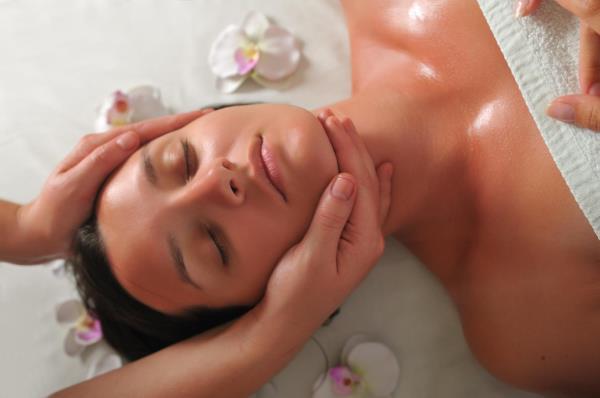 Massaggio relax viso