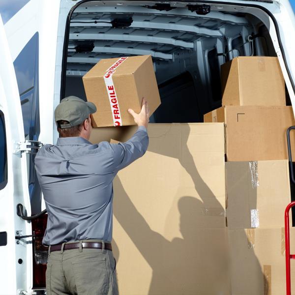 Spedizione e consegna merci e documenti