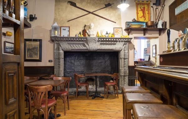 Interno pub ristorante