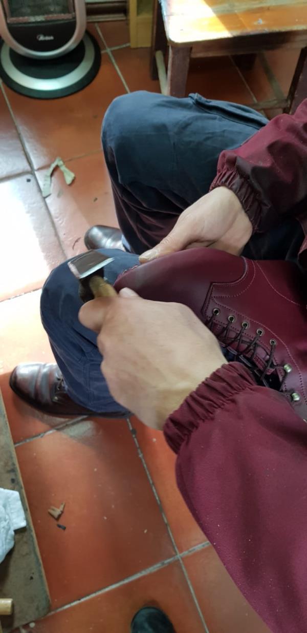 Lavorazione artigianale calzature