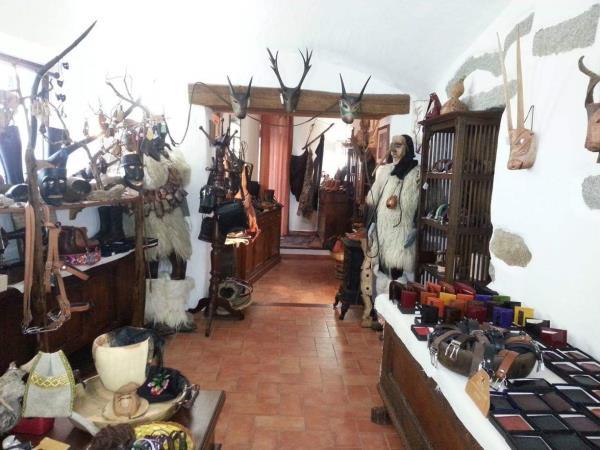 Laboratorio artigiano produzione scarpe