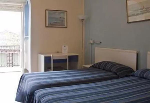 Hotel con 16 camere accessoriate