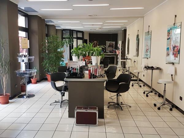 Salone parrucchiere unisex
