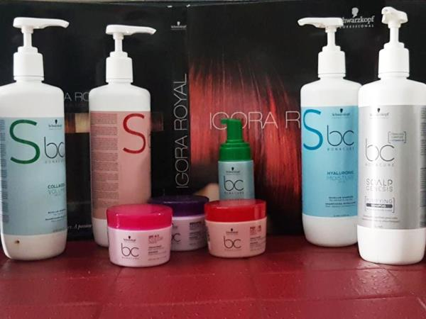 Shampoo trattanti specifici eseguiti nel nostro salone