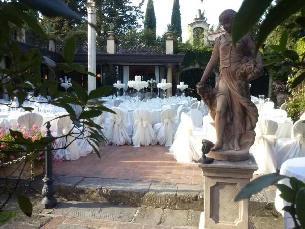 Allestimento fiori location matrimonio