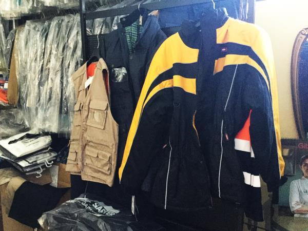 Vendita abbigliamento e attrezzature da lavoro