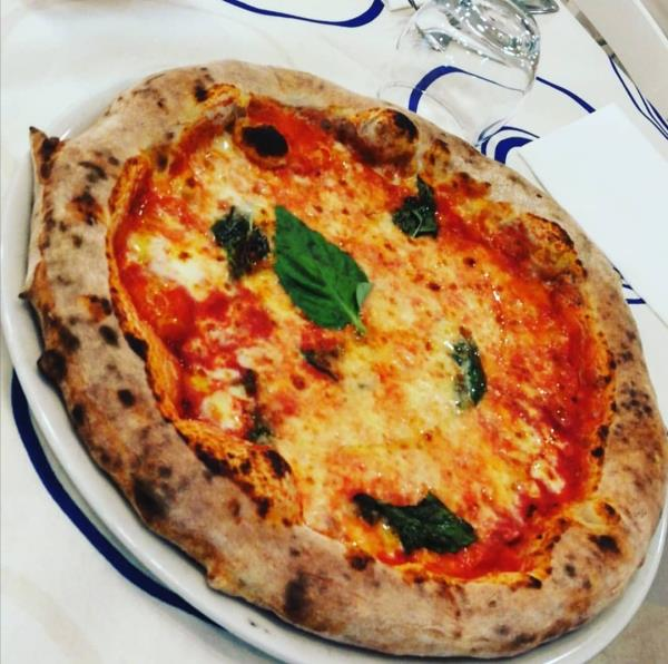 Pizza margherita con farine speciali RM Royal Meat