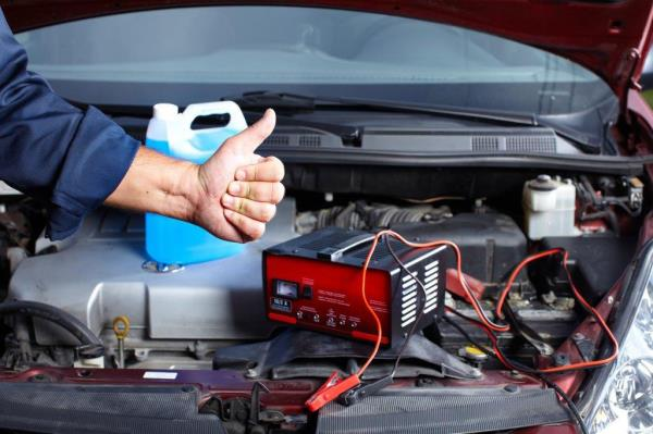 Riparazione e manutenzione motore auto